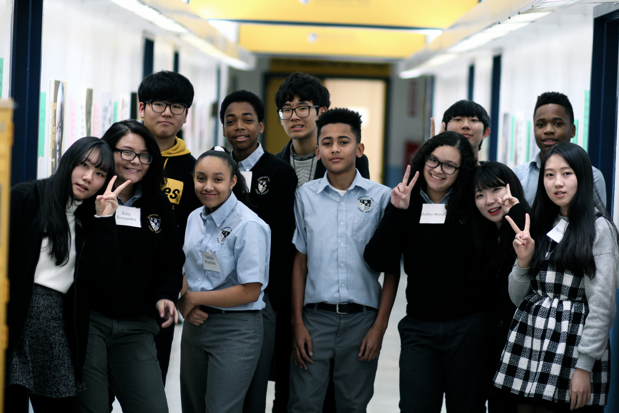 cultural exchange students from korean high school visit
